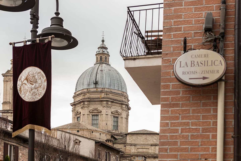 La nostra struttura, a soli 150 metri dalla Basilica Papale di Santa Maria degli Angeli.
