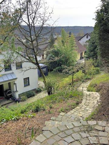 Zimmer in Odenthal-Osenau; Nähe Köln/Leverkusen/BG