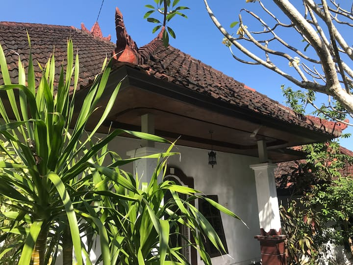Bali house Uluwatu close to beach & cafes - Sarang