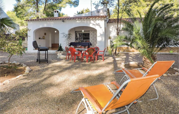 Holiday cottage with 3 bedrooms on 100 m² EDO497