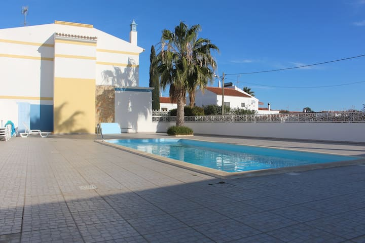 Europa Beach House with Swimming Pool - Manta Rota