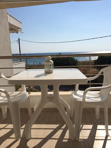 Beautiful 1 Bed Apt. By the Sea - Paralia Gerakinis - Appartement