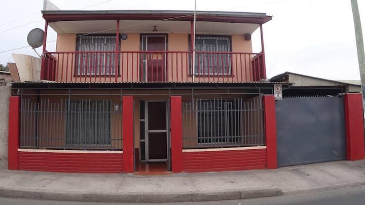 Habitación matrimonial privada en Hostal El Oasis
