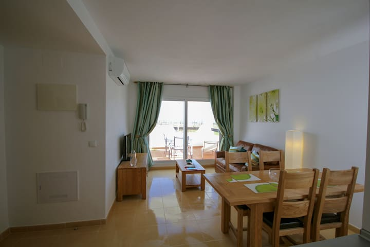 Fabulous Two Bedroomed Apartment With Free WI-FI.