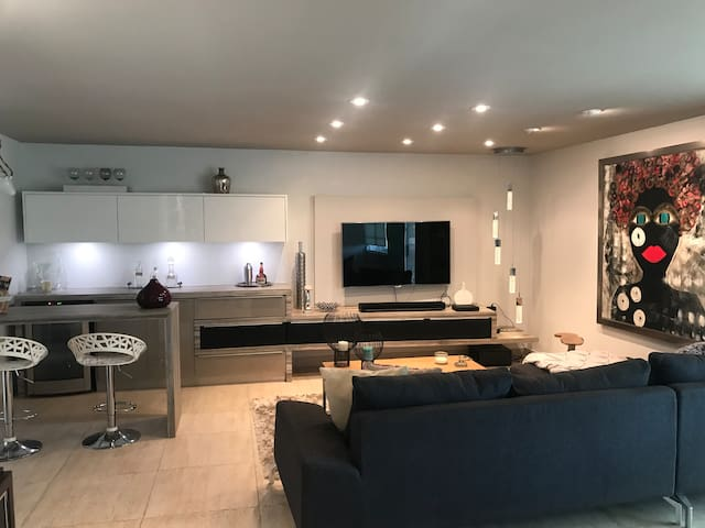 Modern Apt in Guaynabo City with electricity &H2O