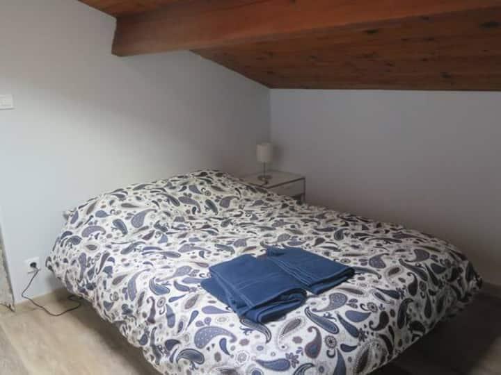 Appartement T1 bis rénové pour 2  (4)  personnes