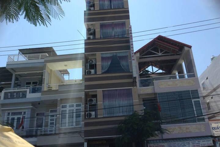 Classical hotel nearly ocean - tp. Nha Trang - Wohnung