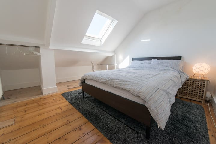 Loft Room in Lovely Quiet Cullercoats