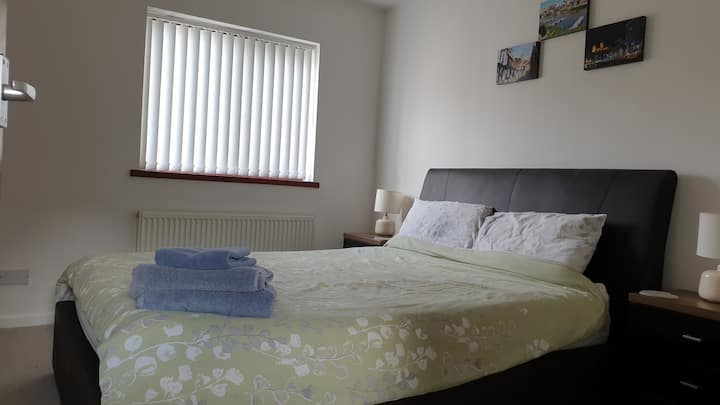 Modern house, ideally located in uphill Lincoln