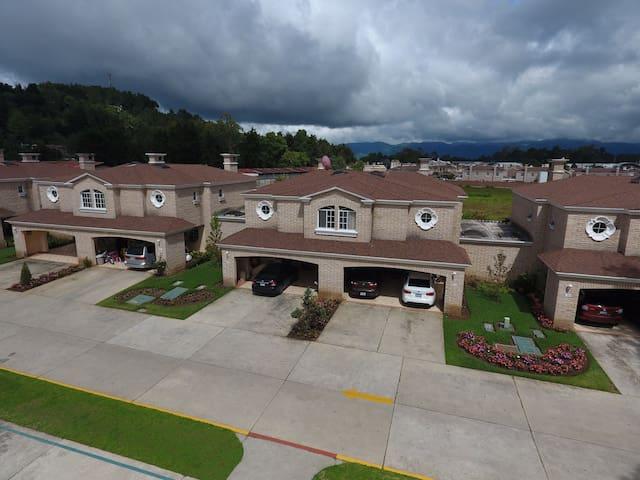 Habitación (Residencial privado y agradable) - Guatemala - Huis