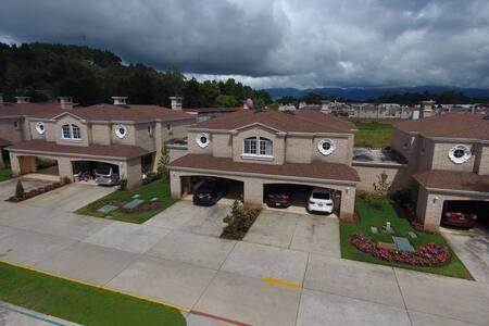 Habitación (Residencial privado y agradable) - Guatemala
