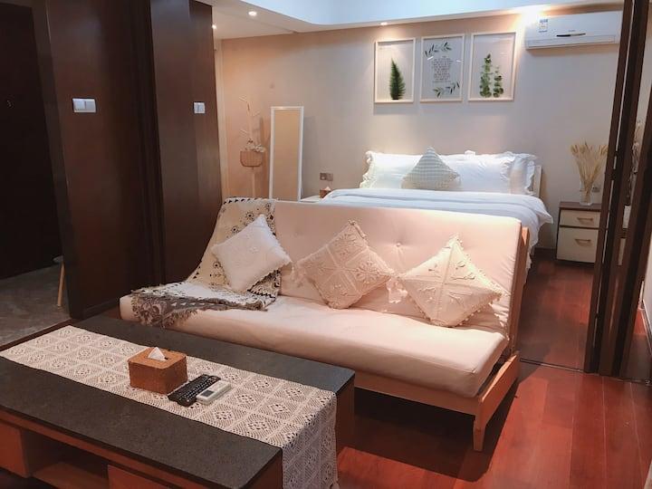 【拾趣】Room 10: 近拱北口岸、横琴长隆中信红树湾清新舒适带浴缸一房一厅