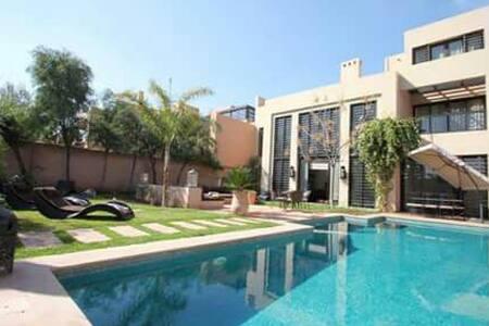 villa 4 chbres pour des vacances reussies - Marrakesh
