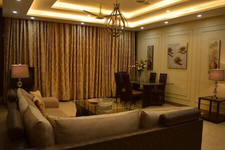 Luxury ground floor villa 15 minutes from Airport
