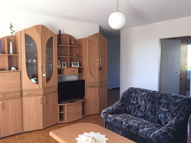 Moderne 2,5 Zi-Wohnung - Neuhausen am Rheinfall - Flat