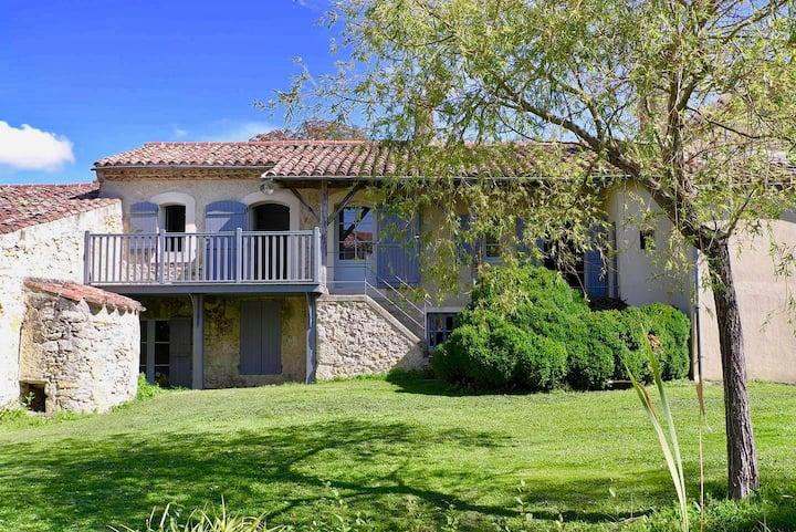 Maison de charme 100 m2 dans hameau privé L2
