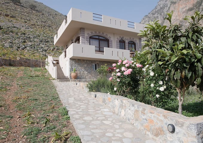 Traditional residence in Agia Roumeli