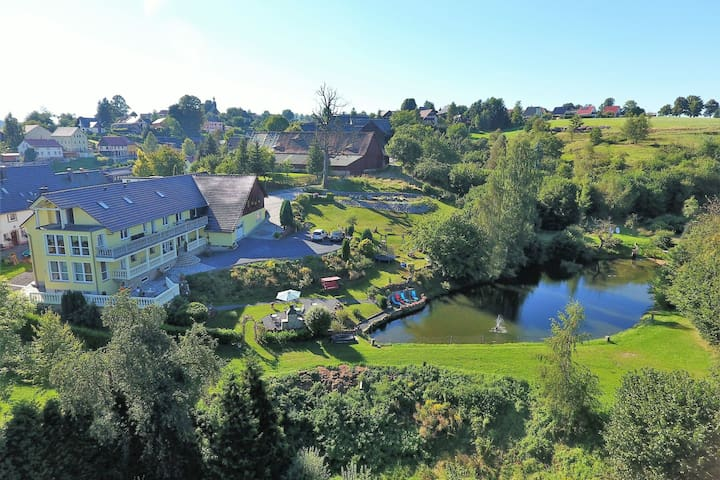 Spacious Apartment in Lichtenhain with Pond