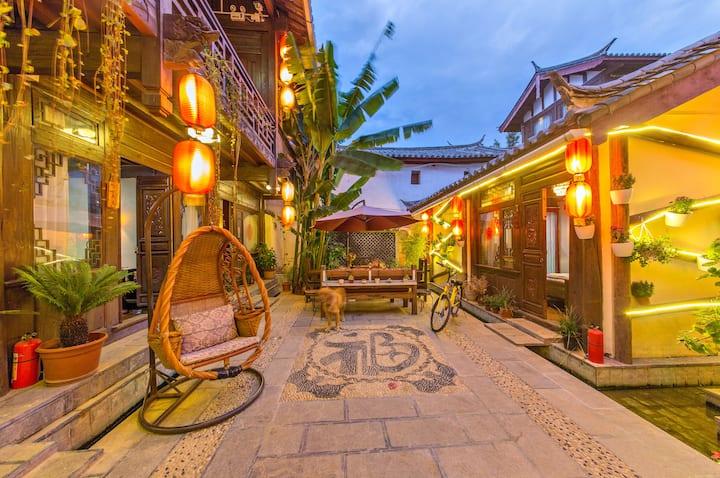 每日消毒【超赞房东】丽江古城景区内免古维有空调可停车精致大床房+私人旅游订制