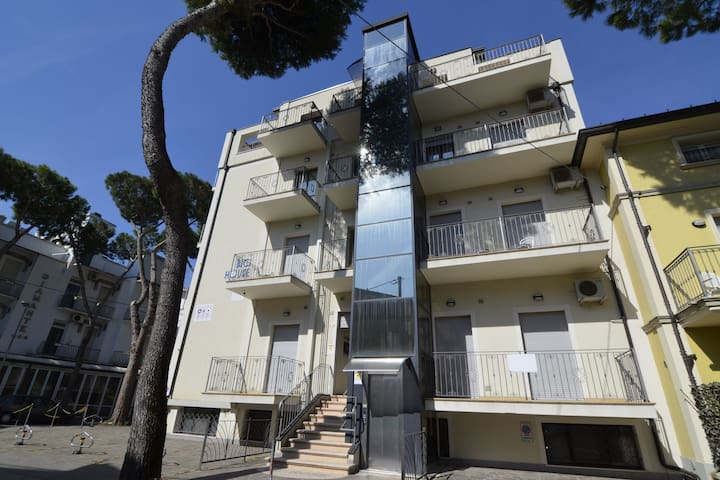 Exclusive Apartment in Cattolica with Beach Nearby