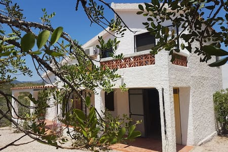 country side house with swimming pool 2km to beach