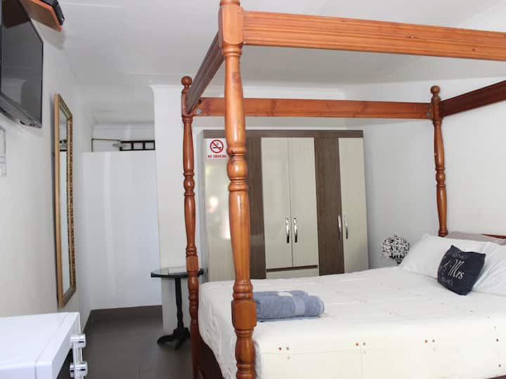 Private En-Suite Rooms Lux