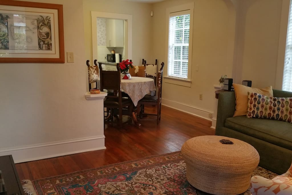 Open Plan - Living Room (sofa bed) & Dining Room Space (sits 4-6)