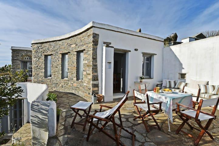 Idyllisches Haus auf Tinos