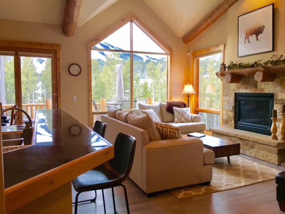 Main Level Open Floor Plan with Fireplace