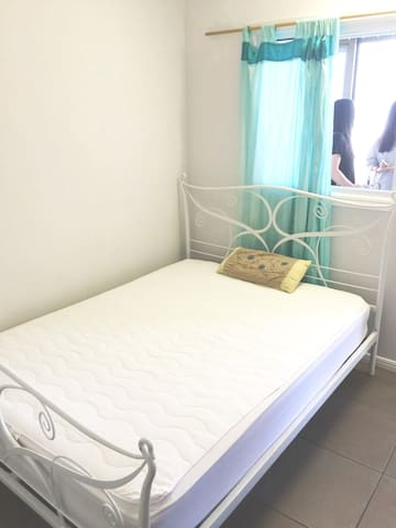 East Brisbane Comfortable Room To Stay