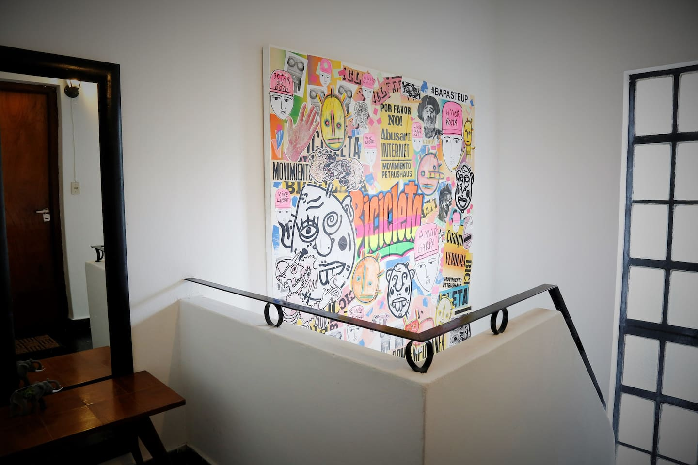 Mural de bienvenida realizado por colectivo de artistas argentinos.