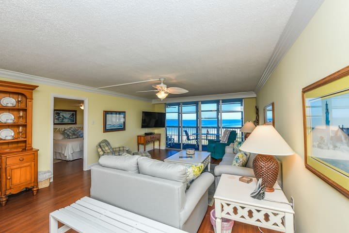 Siesta Key Beach Condo | Stunning Views | 2BR