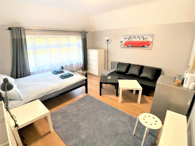 Big room, parking, 15 mins to Centrum, gym, BBQ