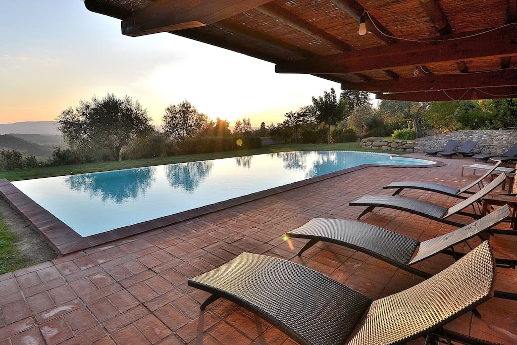 Panoramic Pool with Gazebo, sofas, sun beds and sun umbrellas! Full equipped for a big group!