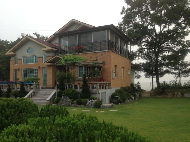 Jandi House 잔디정원 - Janghowon-eup, Icheon - Villa