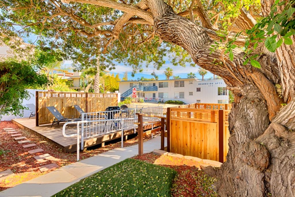 The Sunny Patio is a Complete Haven with a Dining Area, a BBQ and Shared Hot Tub