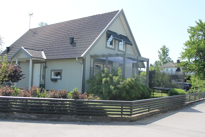 Large modern villa close to the sea and Kalmar C