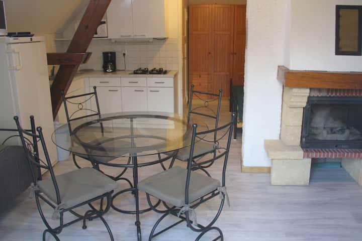 Location  Henriette ***