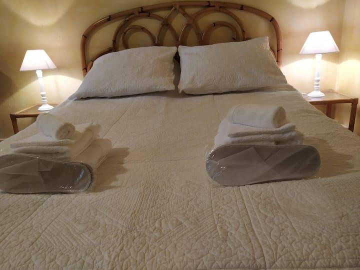 Grande maison confortable 4 chambres et jardin