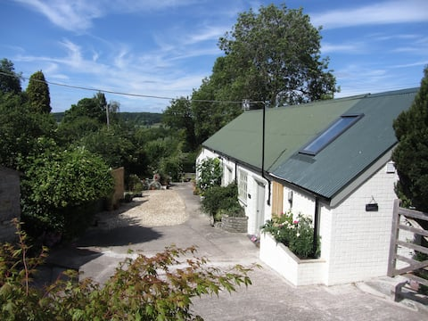 Bracken - character barn conversion with hot tub