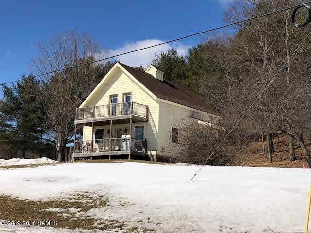 Adirondack Cottage Adjacent to Lake Champlain