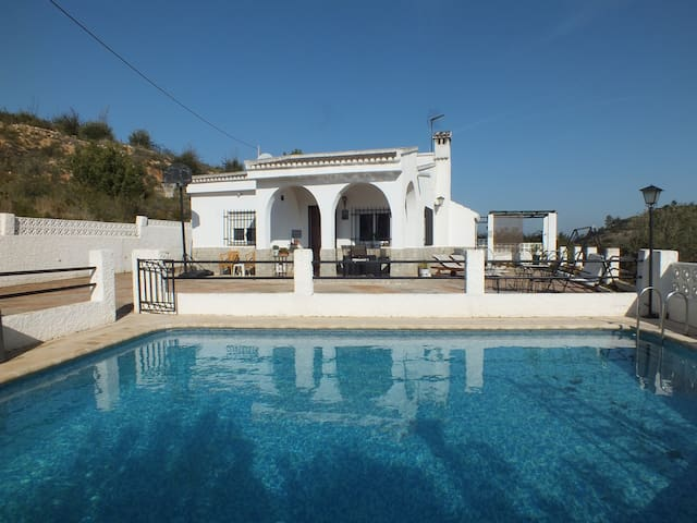 Valencia, Casa Las Oliveras with private pool