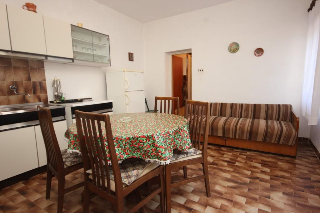 Dining room, Surface: 14 m²