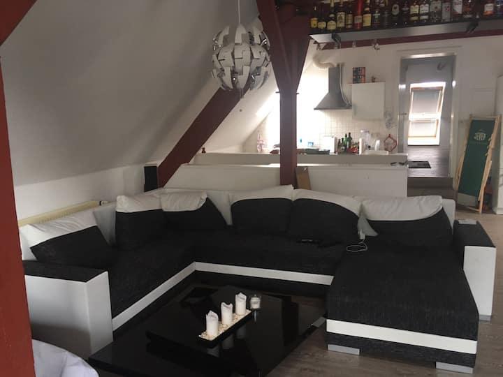 Schlafplatz(Sofa) in Loftwohnung in Aurich