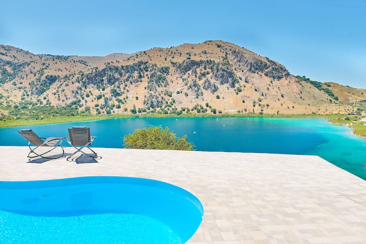 Perfect Lake and Mountain View Villa with Pool!