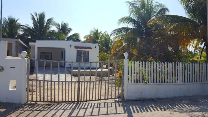 Beautiful House in Telchac 5 minutes from Beach