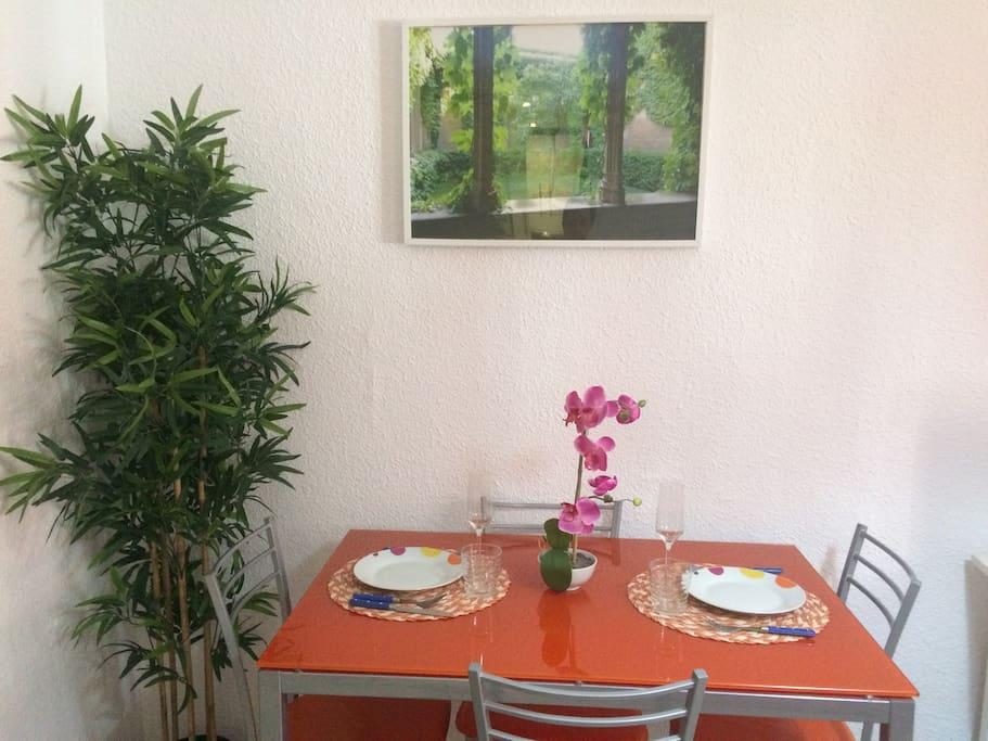 DINNINGROOM for 4 people