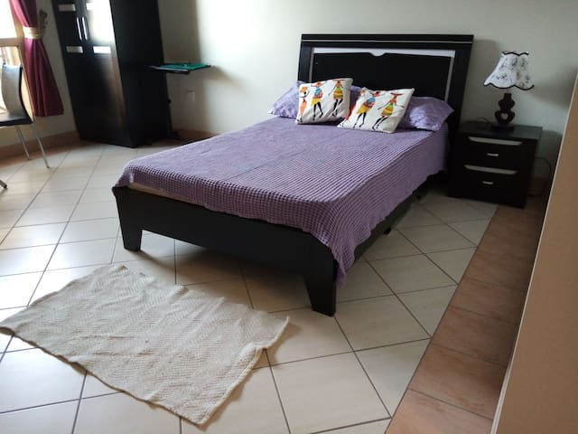 Very nice studio in barwa city 10 min from airport