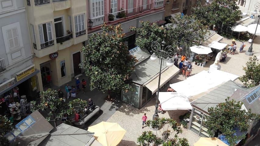 Piso encantador en pleno centro historico de Cádiz