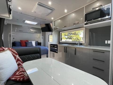 """Van-Go"" Luxury *Waterfront*  Triple Bunk Caravan"